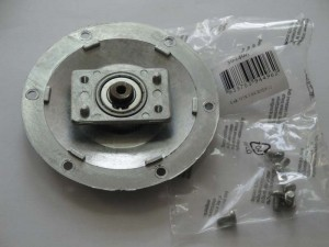 Flange with shaft and bearing 488141 Gorenje